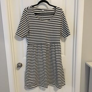 Old navy black and white striped dress large.